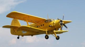 Bestattung mit einem Flugzeug in der Luft